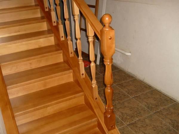 Балясины из дерева для лестницы - купить деревянные
