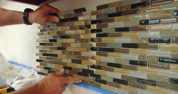 How to install a glass tile backsplash